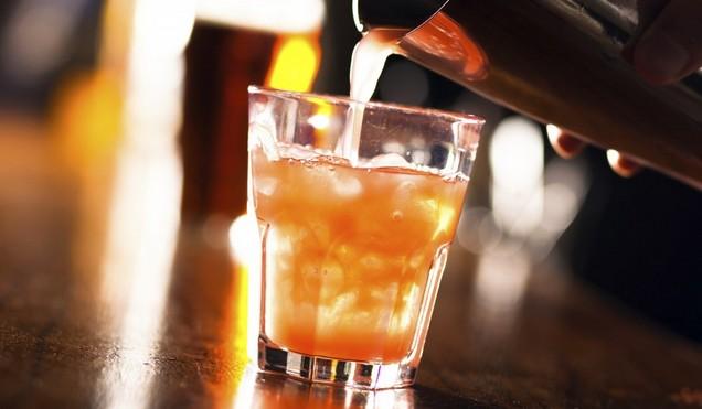 お酒を飲むと立たない原因と簡単にできる勃起法画像